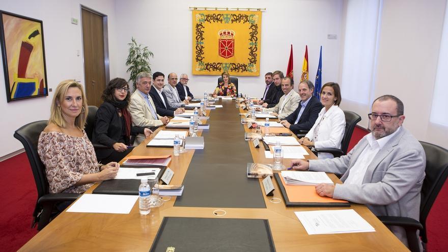 La reforma fiscal presentada por el Gobierno de Navarra, este lunes en la Mesa y Junta de Portavoces del Parlamento