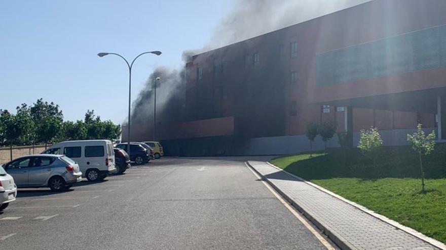 Declarado un incendio en el hospital de Hellín (Albacete) que obliga a desalojar a 150 pacientes