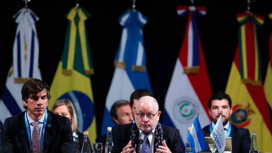 """Argentina celebra acuerdo con la UE como un """"punto de inflexión"""" en el Mercosur"""