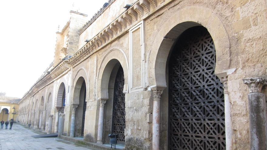 El Cabildo pretende retirar la celosía y abrir una puerta en la Mezquita-Catedral de Córdoba, Patrimonio de la Humanidad.