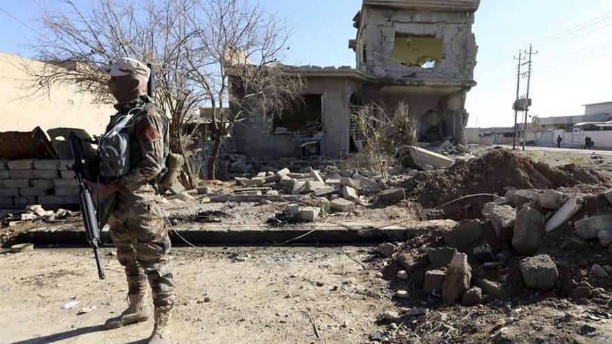 El EI bombardea indiscriminadamente los barrios liberados de Mosul