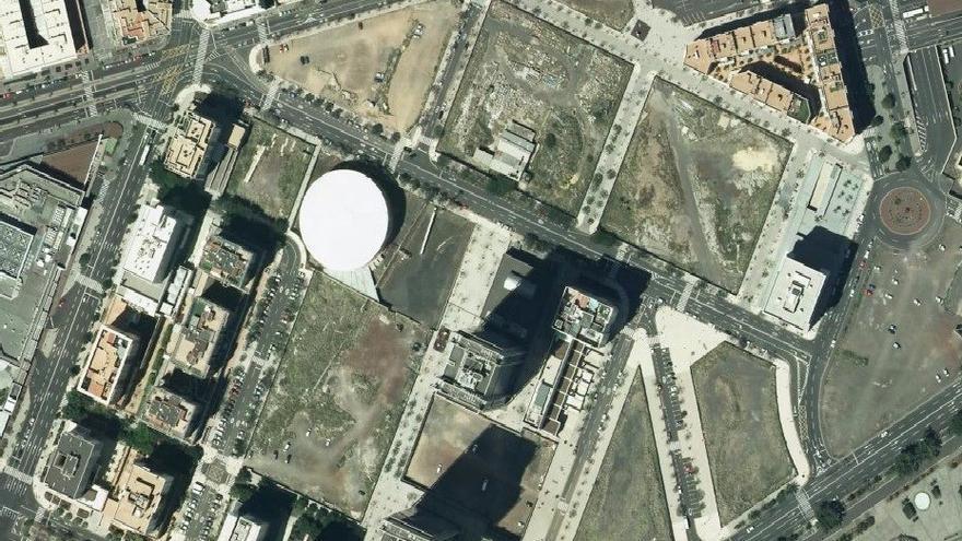 Vista aérea del espacio donde se podría ubicar el nuevo recinto judicial, en Cabo Llanos (Santa Cruz)