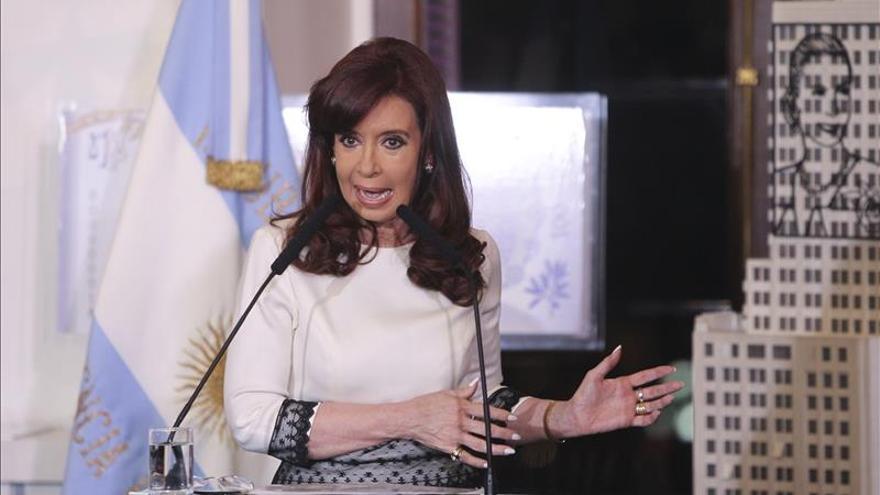 """La presidenta argentina está """"estable"""" y seguirá internada por sigmoiditis"""