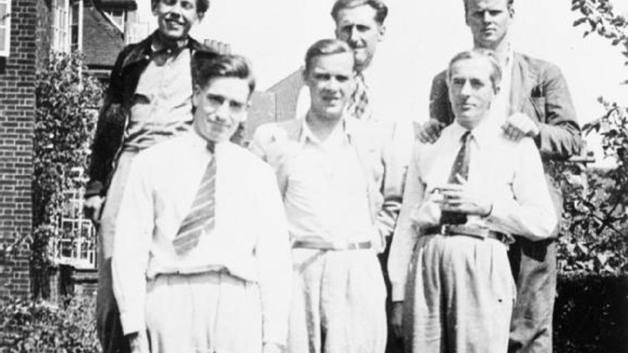 Orwell junto a Stafford Cottman y otros miembros del ILP, verano de 1937 | Fuente: labarcelonadeorwell.wordpress.com