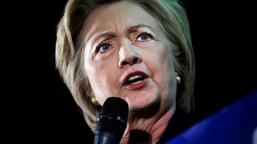 Hillary Clinton defiende el derecho de los puertorriqueños a votar en los comicios de EE.UU.