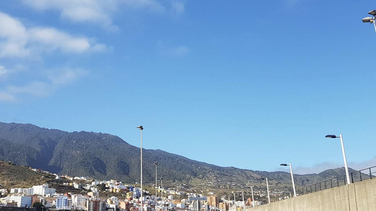 Cielo casi despejado en La Palma.