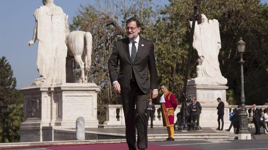 Rajoy insiste en no adelantar elecciones y en ilegalidad referéndum catalán