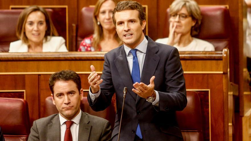 """Casado tilda de """"insólito"""" que el PSOE le pida su abstención cuando """"negocia con los defensores de ETA"""""""