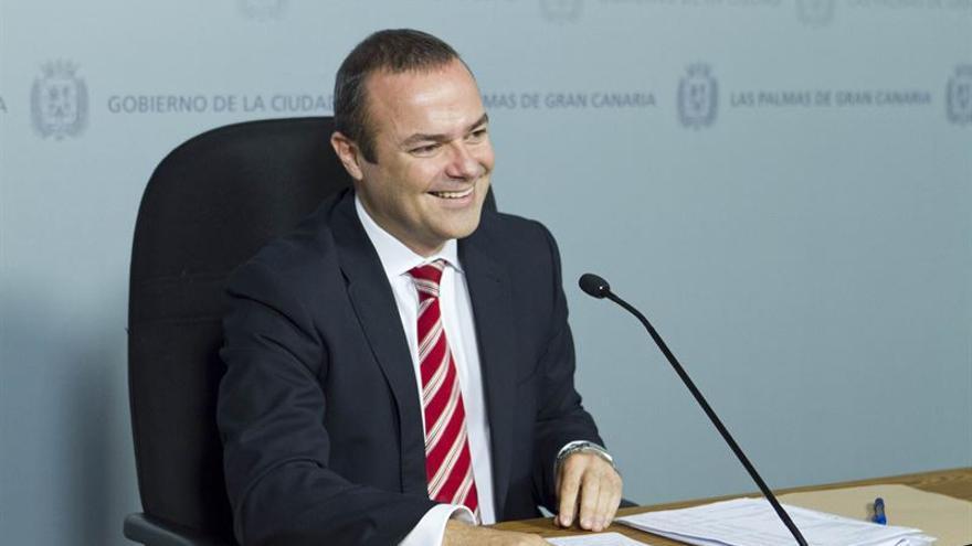 Augusto Hidalgo (JOSÉ CARLOS GUERRA)