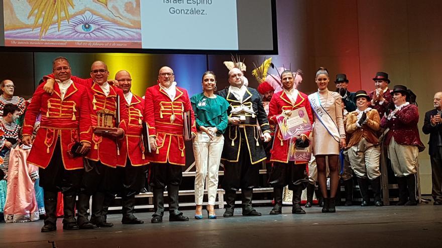 La Unión Artística El Cabo, recibiendo su primer premio