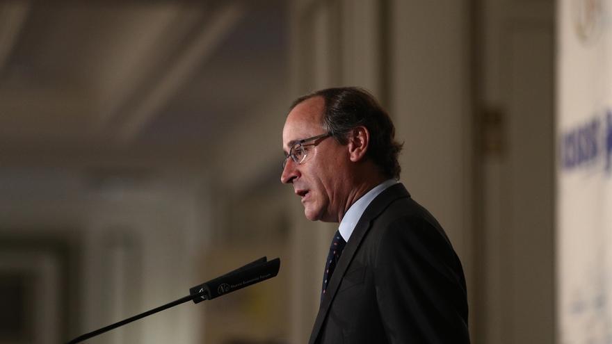 """Alfonso Alonso denuncia que sigue habiendo """"reductos de odio"""" en Euskadi y un entorno que """"alimenta"""" el """"fanatismo"""""""