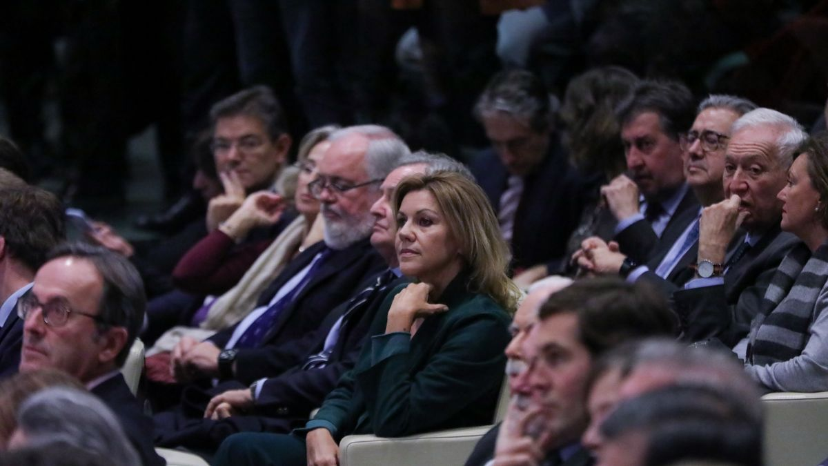 Cospedal con otros miembros del Gobierno de Mariano Rajoy en un acto de 2019