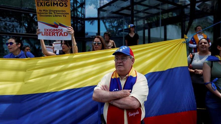 Venezolanos muestran su apoyo a Guaidó en Guatemala para echar a Maduro