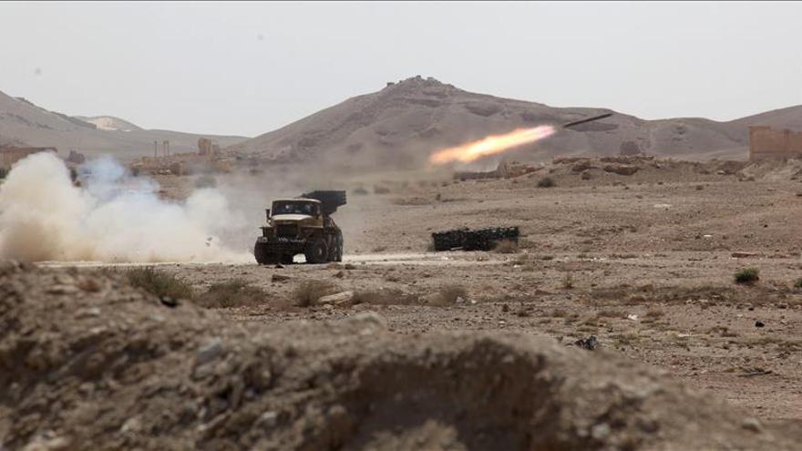 Un misil sirio durante los combates el 19 de mayo en el antiguo oasis de la ciudad de Palmira.