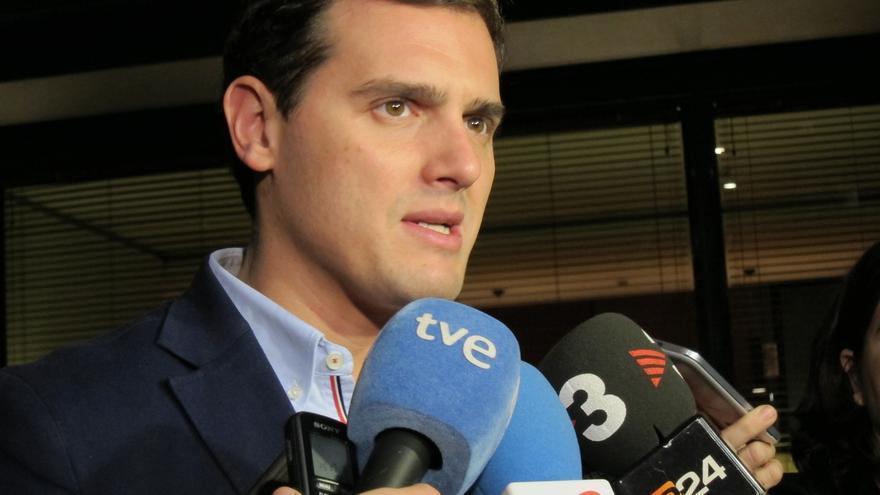 """Rivera (C's) apoya el recurso del Gobierno y espera que """"la suspensión sea inmediata"""""""