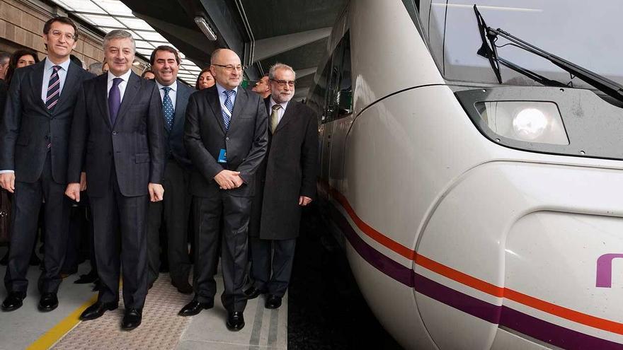 Feijóo y Blanco en la inauguración del AVE Ourense-Santiago en el que ocurrió el accidente de Angrois