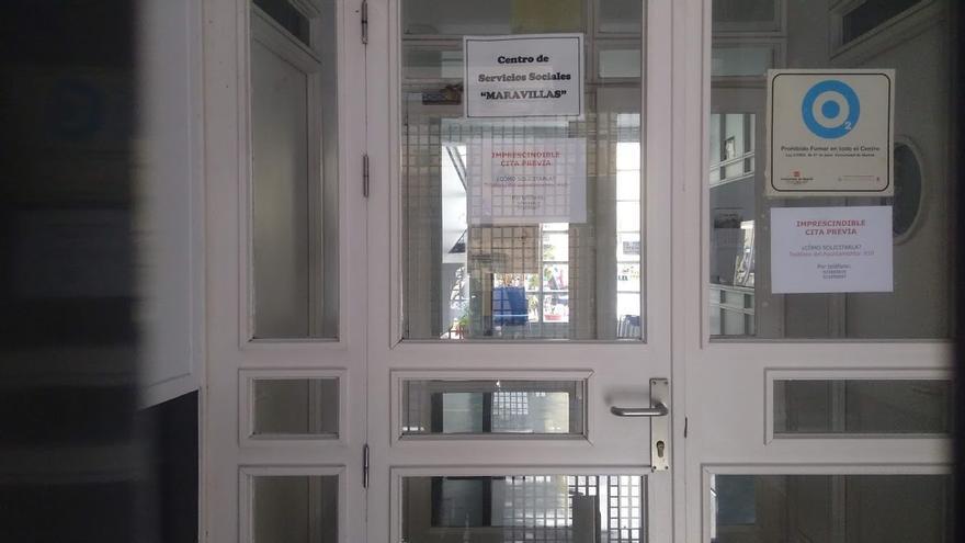 Entrada al edificio del centro de servicios sociales Maravillas, en la calle San Joaquín | SOMOS MALASAÑA