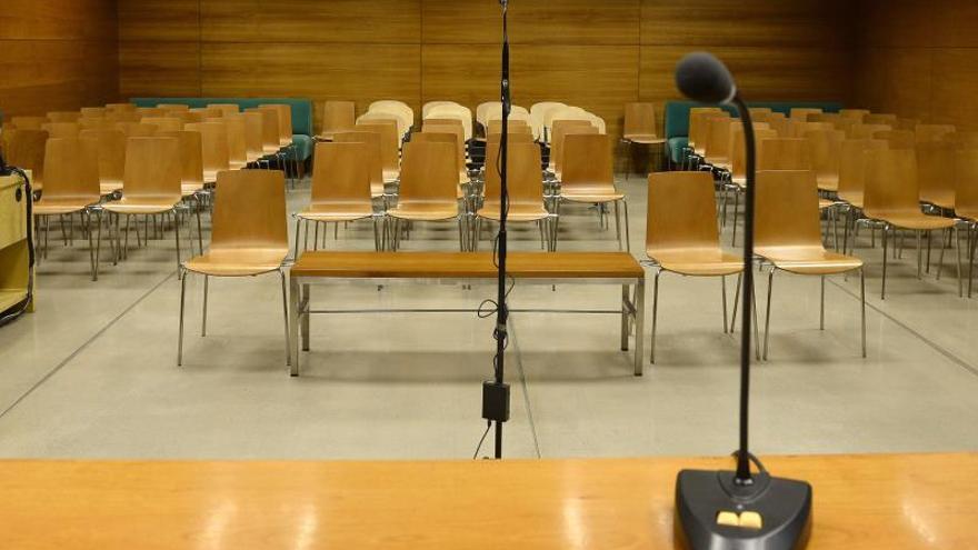 Sala de unos juzgados.