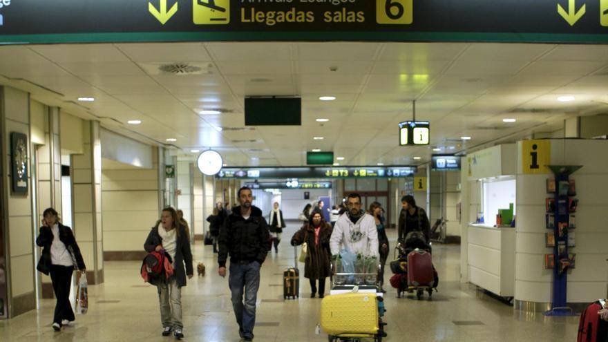 Barajas pierde un 12,2% de vuelos y un 7,7% de pasajeros hasta agosto