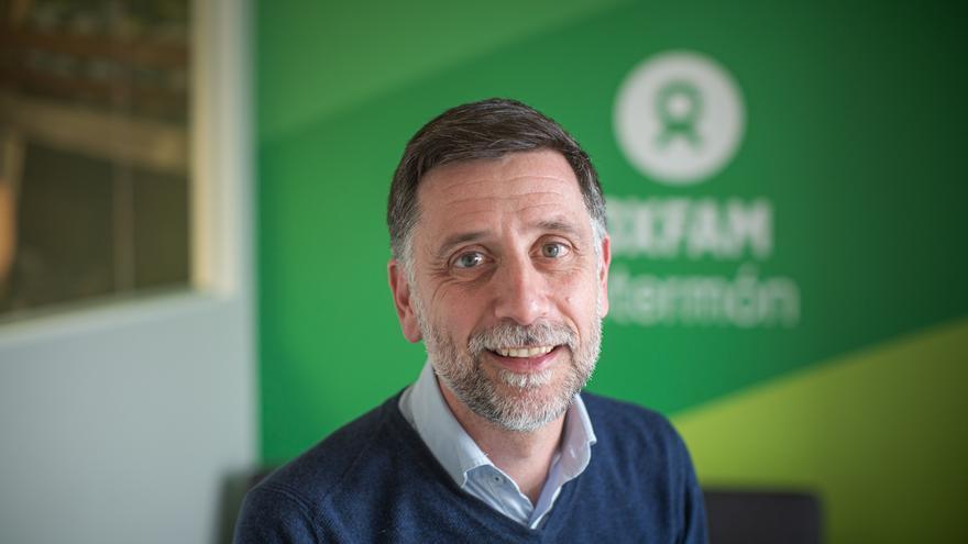 Franc Cortada, director general de Oxfam, en su sede de Valencia.