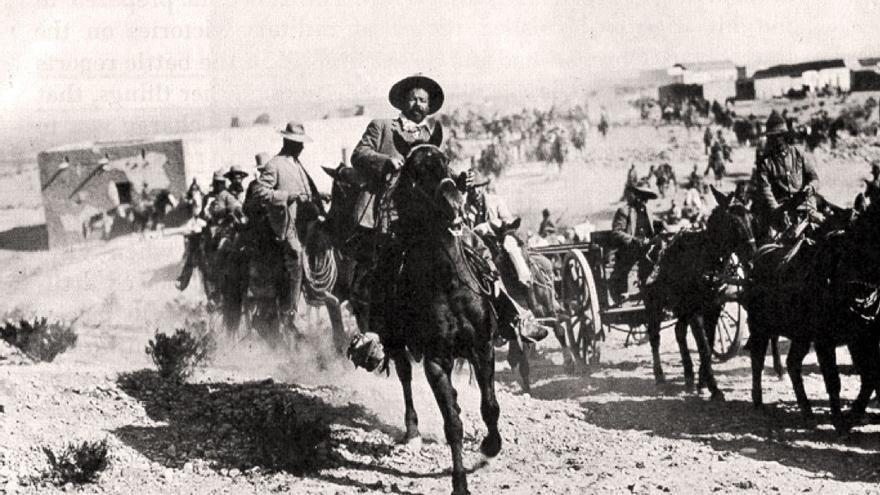 El general Pancho Villa a la entrada de Ojinaga.