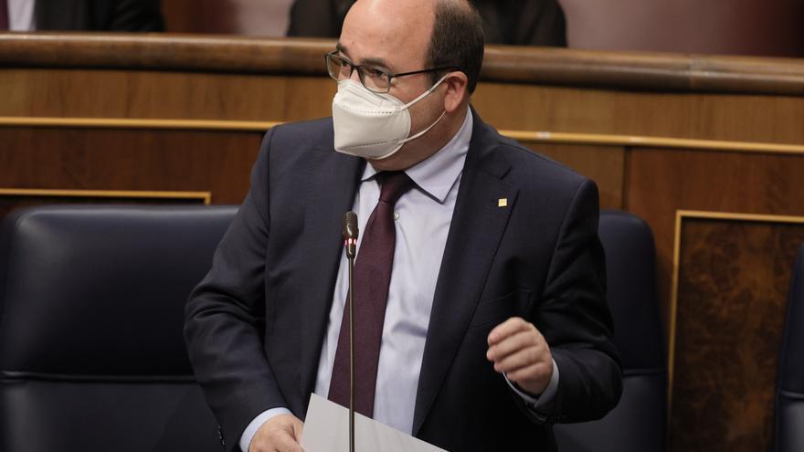 El ministro de Política Territorial y Función Pública, Miquel Iceta, interviene en una sesión de control al Gobierno, a 26 de mayo de 2021, en el Congreso de los Diputados, Madrid, (España). La crisis diplomática abierta con Marruecos, los planes del Gobi