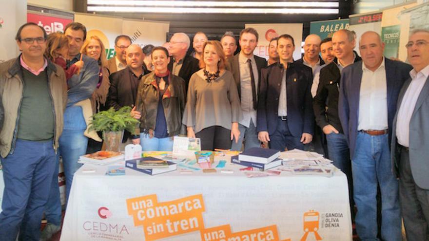 La junta directiva del CEDMA con varios alcaldes de la Marina Alta