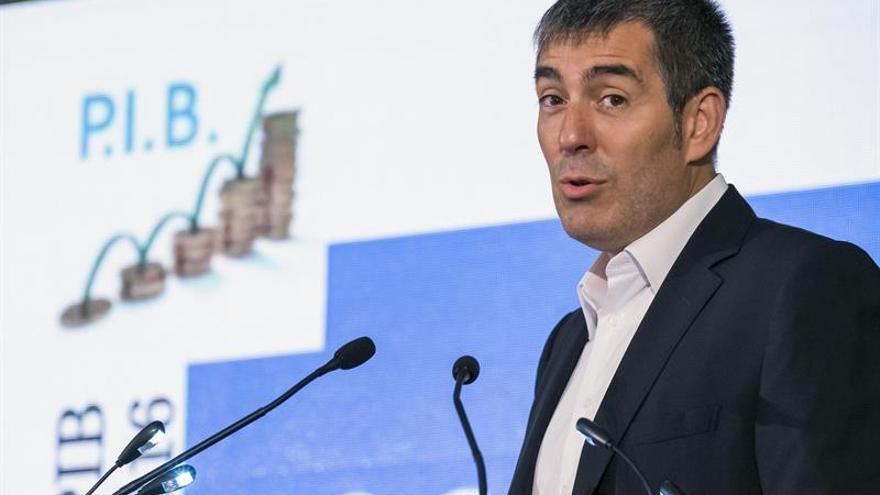 El presidente del Gobierno de Canarias, Fernando Clavijo, analizó la situación política en un foro informativo.
