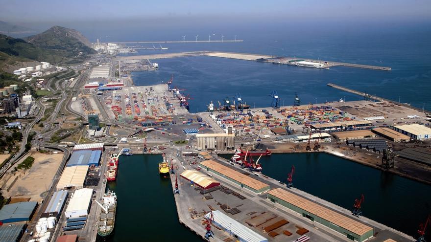 El Puerto de Bilbao cerró con un movimiento de mercancías de 30,8 millones de toneladas, un incremento del 4%