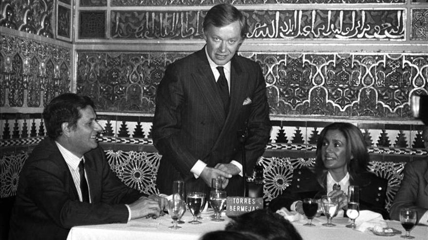Juez toma declaración a diplomático sueco que vio a Neruda antes de su muerte
