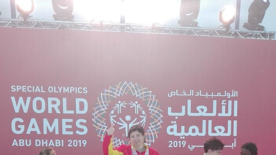 Natación: Oro para Lara Lima
