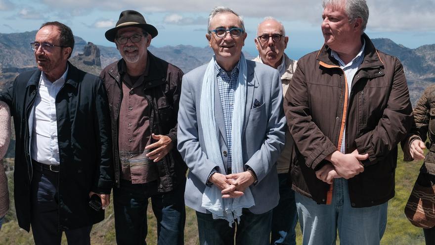 El Embajador de España ante la Unesco, Juan Perelló, en la visita a Risco Caído