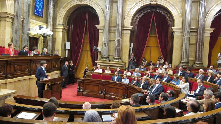 """Puigdemont dice que los barones """"devoran"""" a Sánchez por abrirse a hablar con independentistas"""
