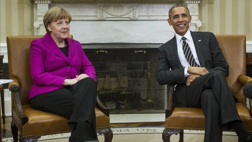 """Obama afirma que EE.UU. sigue buscando una solución """"diplomática"""" para Ucrania"""
