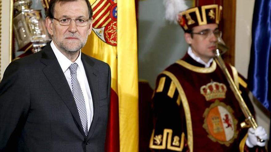 Rajoy subraya la buena salud de la Constitución pero no se cierra a cambiarla