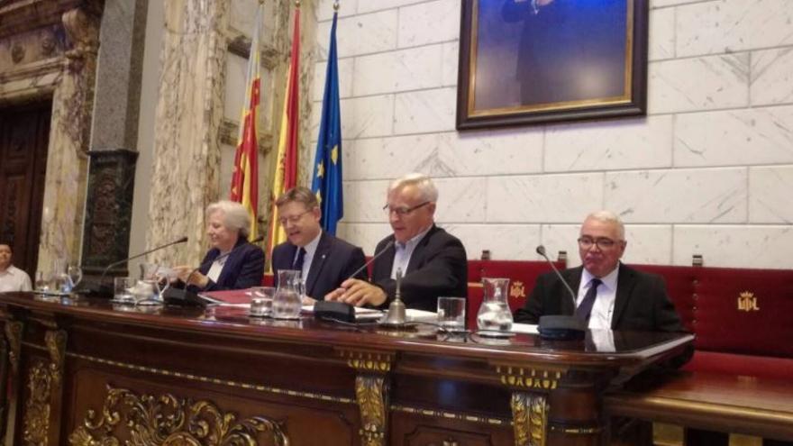 Carmen Negrín, Ximo Puig, Joan Ribó y Francesc Pérez inauguran los actos en homenaje al II Congreso de Intelectuales
