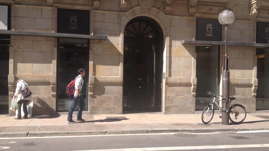 El polémico alquiler del local está situado en la calle San Antonio de Vitoria.