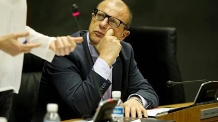 El portavoz del PSN en educación, Carlos Gimeno.
