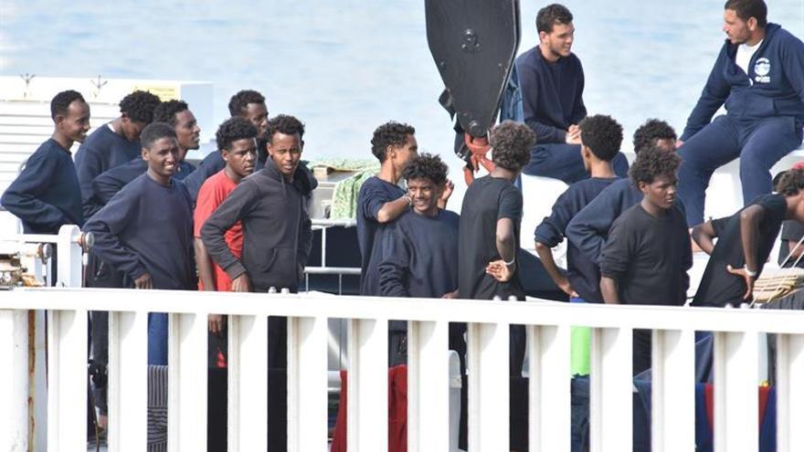 Italia libera a seis pescadores tunecinos detenidos por ayudar a inmigrantes