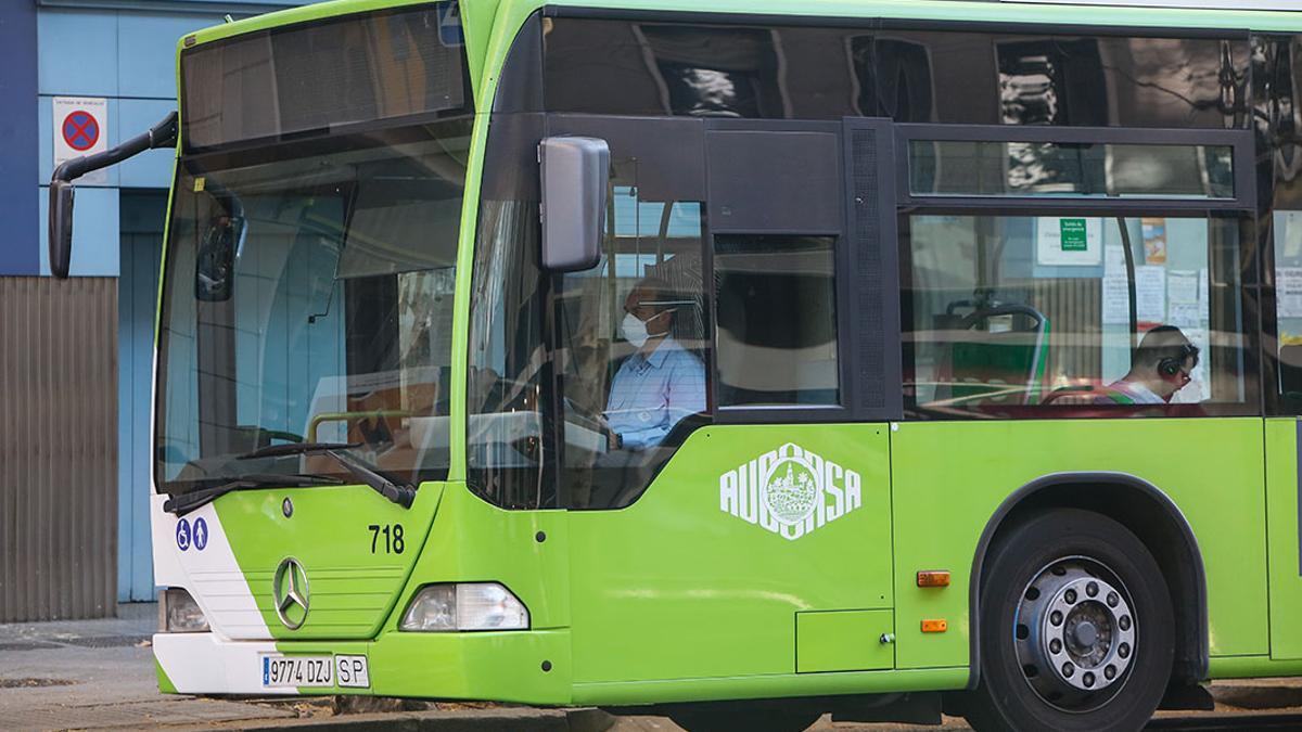 Un autobus de Aucorsa