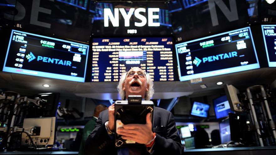 Wall Street baja levemente en la apertura y el Dow Jones cede un 0,05 por ciento