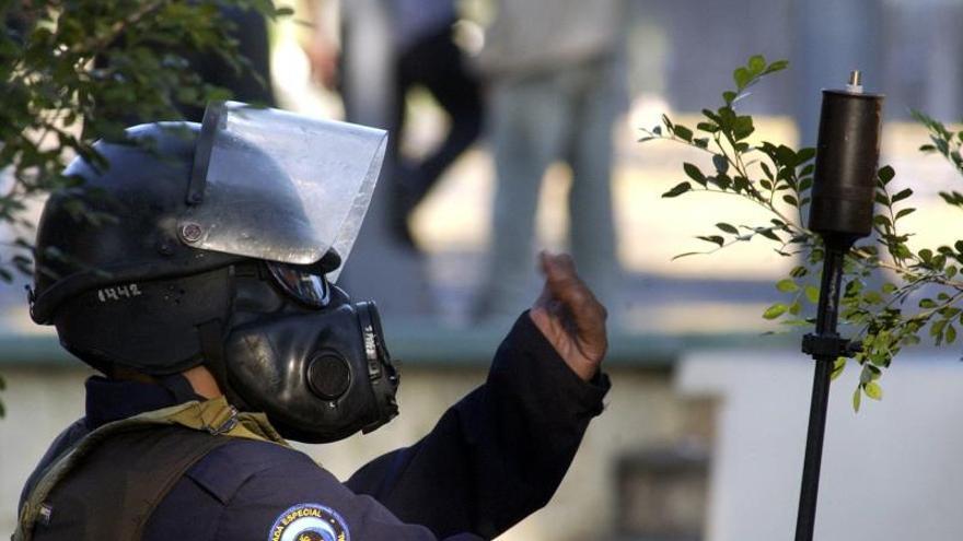 """La Policía paraliza el centro de Managua y agrede a las madres de """"presos políticos"""""""