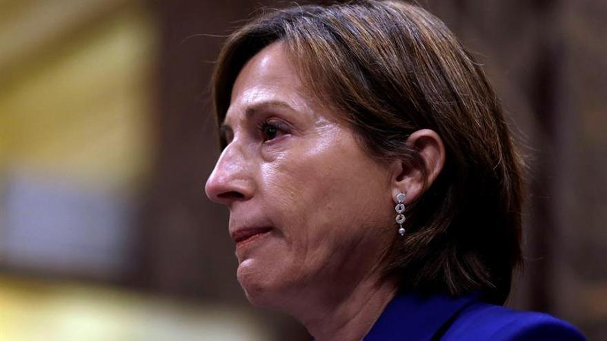 """Forcadell recibe borrador """"constitución"""" que rechaza oficialidad castellano"""