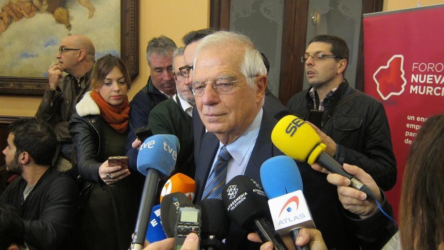 """Borrell cree que el hecho de que Forcadell abjure de la independencia habrá provocado """"entusiasmo"""" entre quien la creyó"""