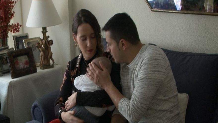 La madre del único bebé infectado en España por salmonela agona afirma que ha llegado a temer por su vida