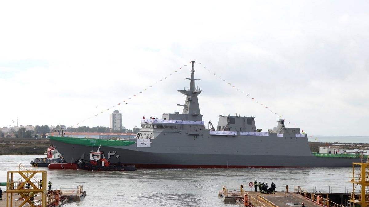 """Vista general de la """"Al-Diriyah"""", la segunda de las cinco corbetas que Navantia construye para la marina de Arabia Saudi."""