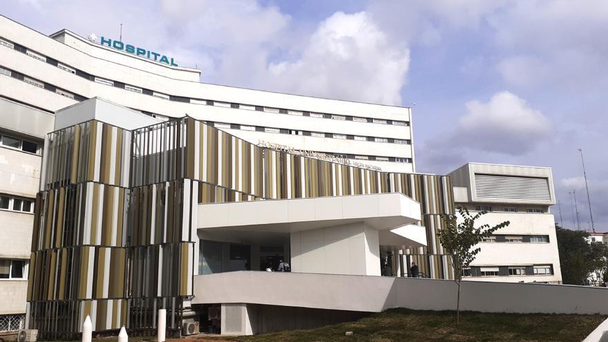 Archivo - Fachada del Hospital Virgen Macarena de Sevilla