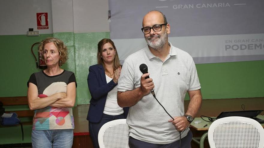 Juan Manuel Brito, en la asamblea de Podemos celebrada este jueves. (ALEJANDRO RAMOS)