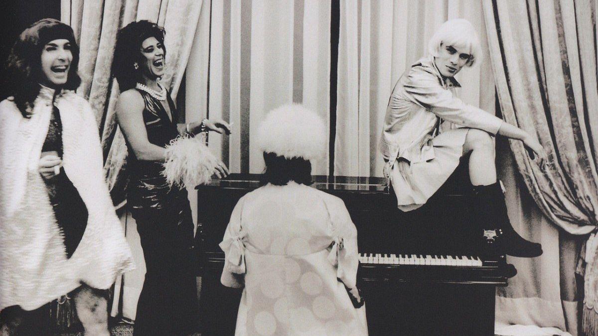 Los miembros de U2 en el Hotel Mencey en una sesión de fotos de Anton Corbijn.