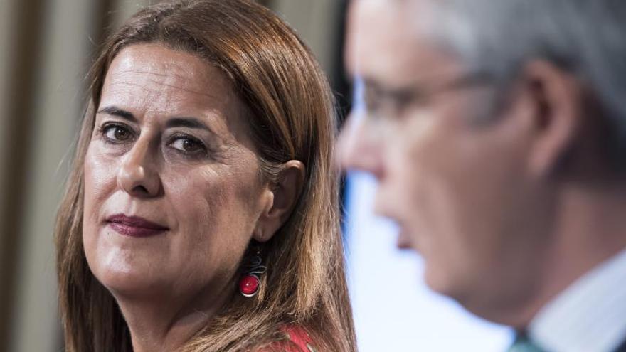 """La consejera andaluza ve un """"disparate"""" el plan de Vox para la educación"""